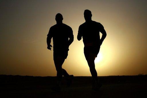 预防中年人足部疾病 做好保健很重要